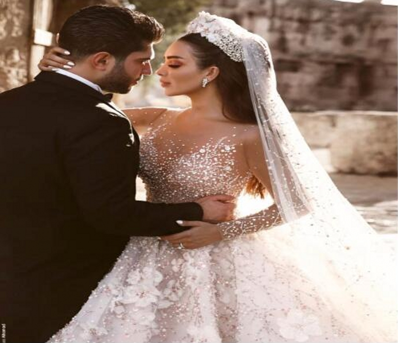 2019 Dubai Luxury Crystal Wedding Dresses Shiny Beaded 3D Flower Wedding Gowns With Sheer Full Sleeves Pearls Vestido De Noiva