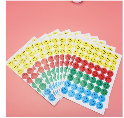 540pcs Children Smile Face Reward Stickers School Teacher Merit Praise Class Sticky Paper Lable