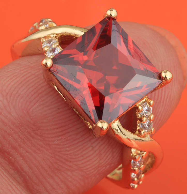 Superb Square Red Garnet Gold Color Womens Fashion Jewelry High Quality US# Solitaire Rings Size 6 7 8 9 S1870