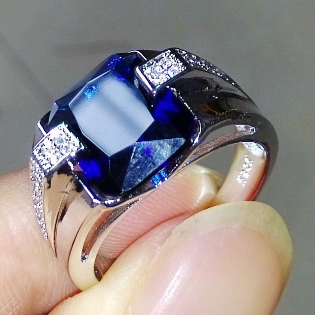 Victoria Wieck  Men Fashion Jewelry 925 Silver Blue Sapphire Simulated Diamond Party Wedding Band Ring Gift With Stone Size 5-11