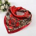 Nova Moda Leopardo Cadeia de Impressão De Cetim Lenço Quadrado Mulheres Imitado Lenços de Seda Da Marca de Luxo Tamanho Grande Poliéster Xale Hijab