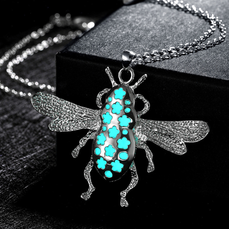 Fashion Creative Luminous Bee Design Pendant Necklace Silver Plated Link Chain Unique Sweater Necklace
