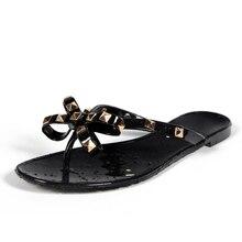 Лидер продаж года; Модные женские Вьетнамки; Летняя обувь; красивые пляжные сандалии на плоской подошве с заклепками и большим бантом; брендовая прозрачная обувь; сандалии для девочек; размеры 36-40