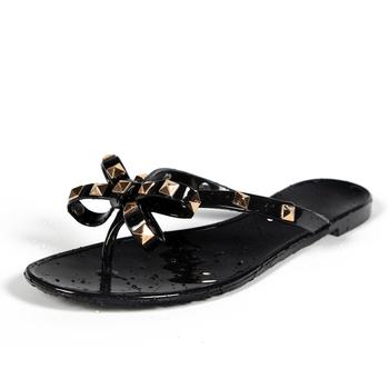 Hot 2017 moda klapki damskie letnie buty fajne plaża nity duży łuk sandały na płaskim obcasie marki galaretki buty sandały dziewczyny rozmiar 36- 40 tanie i dobre opinie Dla dorosłych Mieszkanie z Stałe Przód i tył pasek Enlen Benna Na co dzień Mieszkanie (≤1cm) Slip-on women sandals slippers