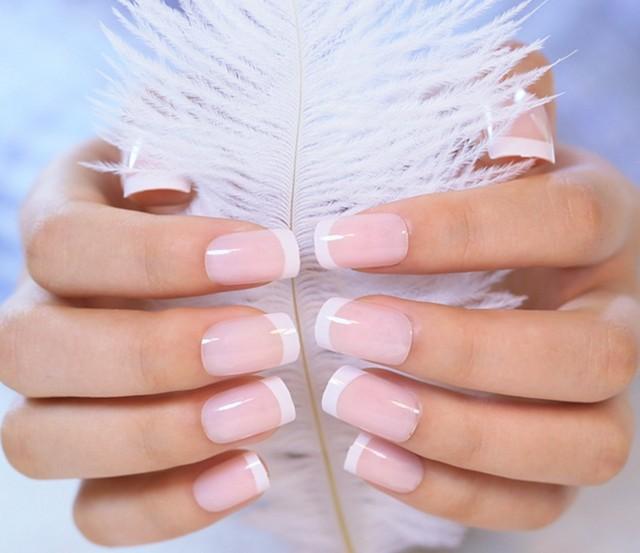 Francés desnuda color rosa Kit de uñas falsas con pegamento japonés ...