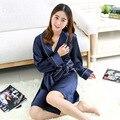Bata de satén ropa de Noche Atractiva de Seda Pijamas Pijamas para Las Mujeres 2017 Verano Mujer Homewear para Mujer Niñas de Corea de Manga Larga Con Cuello En V