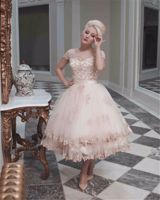 Boutique Lace Appliques Champagne Wedding Dresses 2019 Fashion Short Sleeve Bradal Gowns With Tea Length Vearidos De Mariage