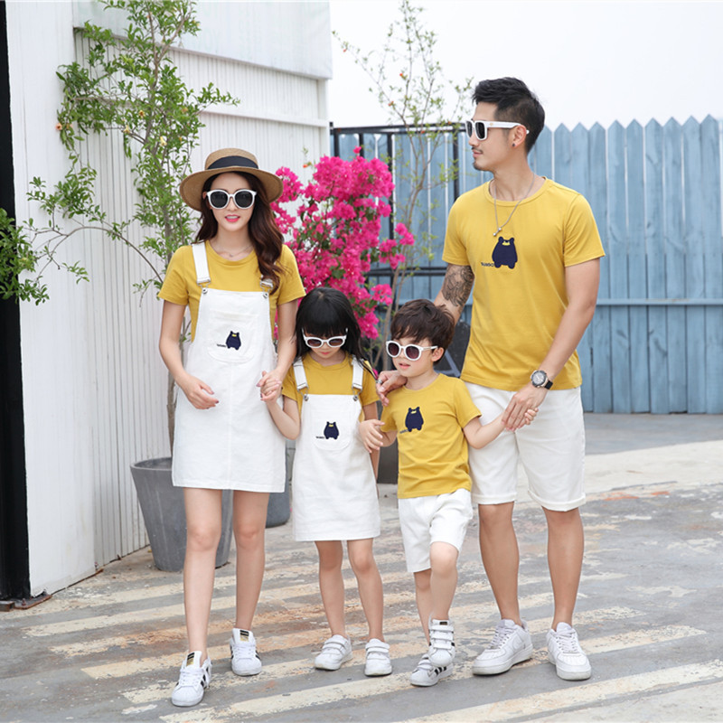 Summer Sets Family Matching Outfits Mom Daughter T-Shirt+Strap Skirt Dad Son T Shirt+Shorts 2PCS Suit Cotton Vacation Clothes