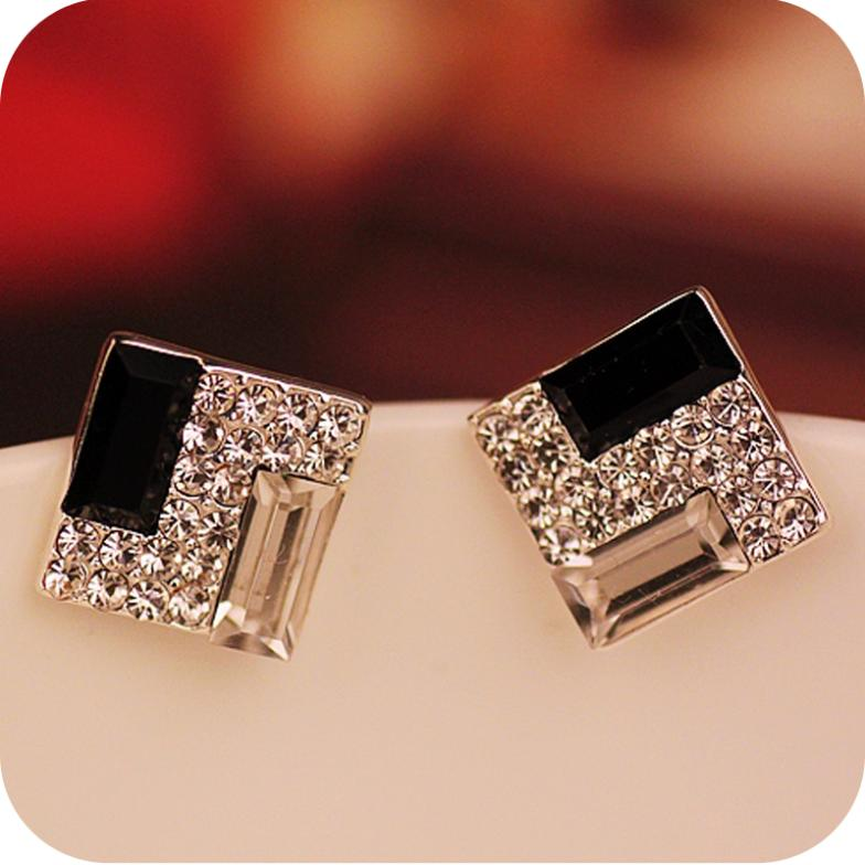Promotion Europe Trendy Luxurious Elegant Black White Sparkling Bling Rhinestone Square Gem Stud Earrings E178 In From Jewelry Accessories