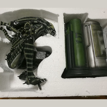 1 4 scale Alien Full Body 60cm Felt a crouching like AVP Alien Warrior hand model