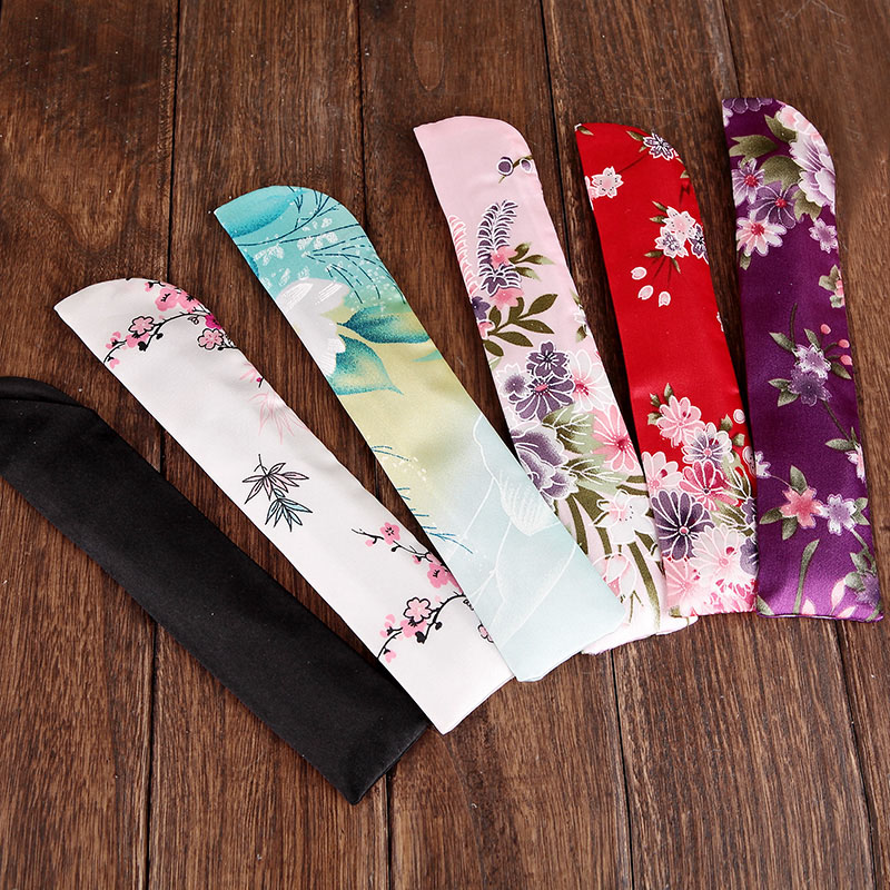 Wholesale Free Shipping 100pcs/lot Satin Cloth Bag for Hand Fan Plum Blossom Flower Pattern Wedding Gifts for Guests-in Party Favors from Home & Garden    1
