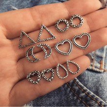 2019 new retro earrings triangle love moon decoration fashion pair of female temperament jewelry party gift hot sale