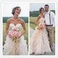 Blush Rosa Vestidos De Casamento Do País com Ruffles Querida Lace Beads Trem Tribunal Vestidos de Noiva Do Vintage Aberto Para Trás