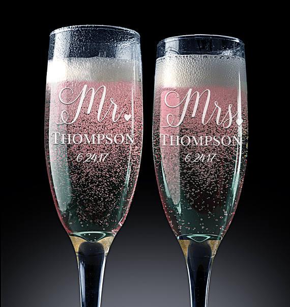 Wedding Gift Champagne Flutes: Set Of 2 Personalized Mr. Mrs. Wedding Champagne Flutes