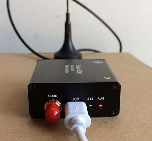 Wide Band Ham Radio 12bit ADC 24 1700 MHz VHF UHF SHF TCXO 2PPM SDR Radio