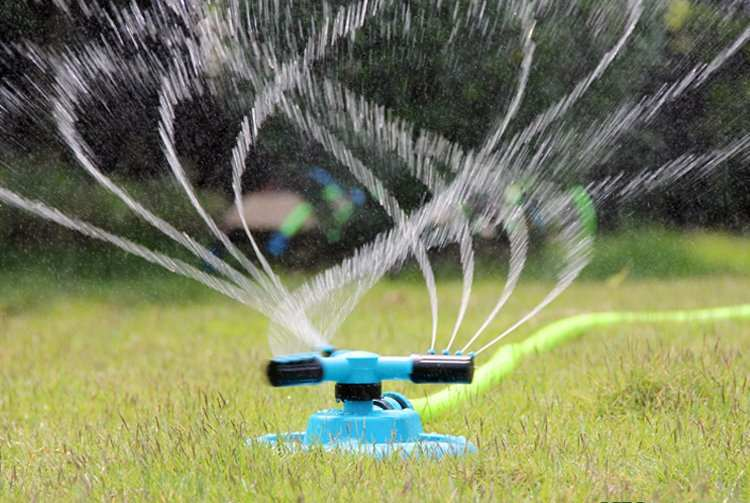Automatic water system for garden inspiration