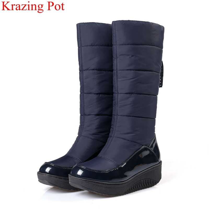 Krazing Pot kar botları platformu yüksek topuklu kama saçak kadın kış pamuklu ayakkabılar sıcak tutmak yuvarlak ayak muhtasar orta buzağı çizmeler