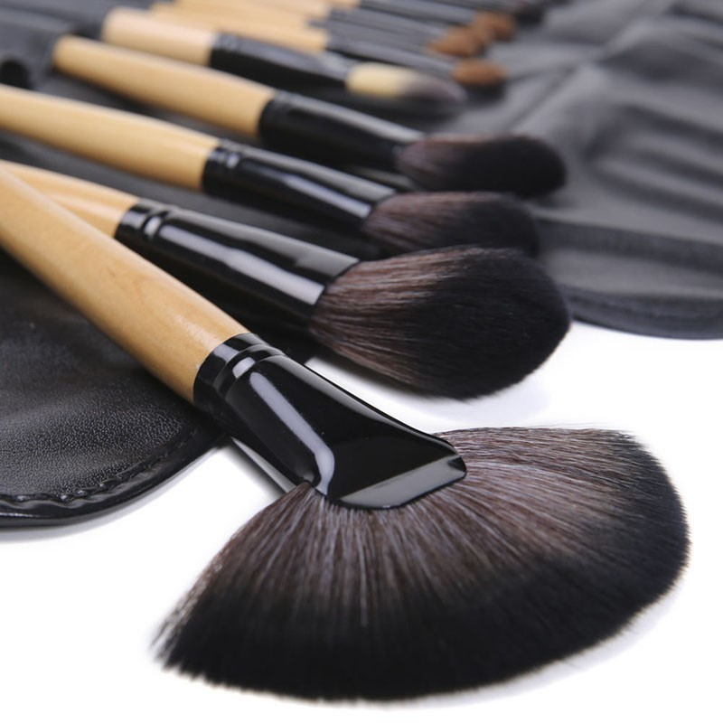 24 Pcs Makeup Brush Sets with Bag for Blending Foundation and Powder Suitable for Contouring and Highlighting 12