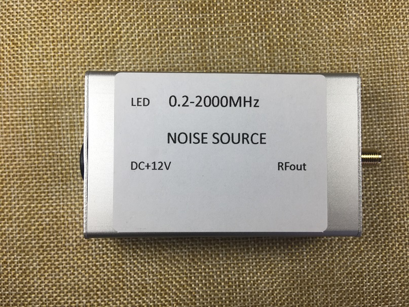 Noise Signal Generator, Noise Source, Spectrum Tracking, Signal Source 0.2-2000M, Flatness