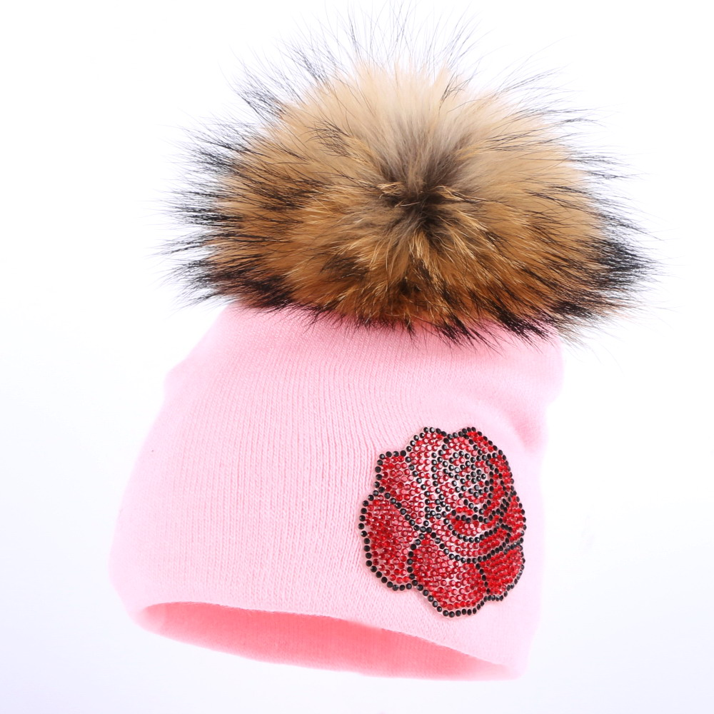 boy girl kids lovely mink pompom skullies hat baby fashion beanies solid rose floral children casual winter hats 0-2 year gorros wholesale boy girl floral beauty skullies colored rhinestone flower style luxury winter hats for children 3 12 year kid beanies