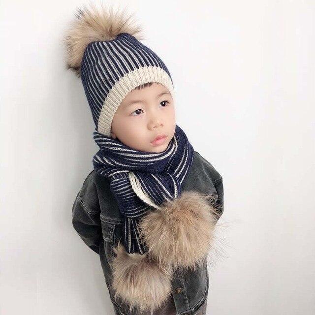 2018 niño niña Pom Beanie punto caliente Fur Pompom sombrero y bufanda Set para  niños sombrero 17b50131e26