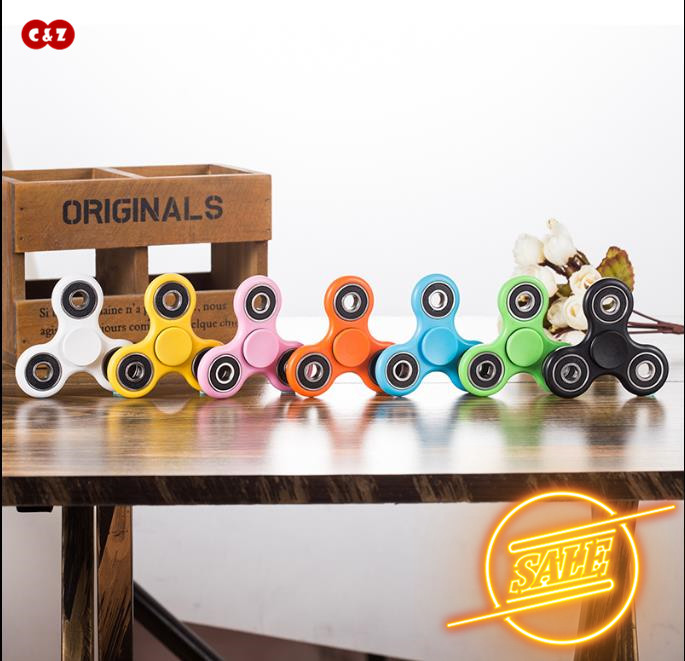 New Tri Hand Fidget Spinner Toy Promo Sale Creative Toy Stress relieves Edc Metal Pressure Relieve