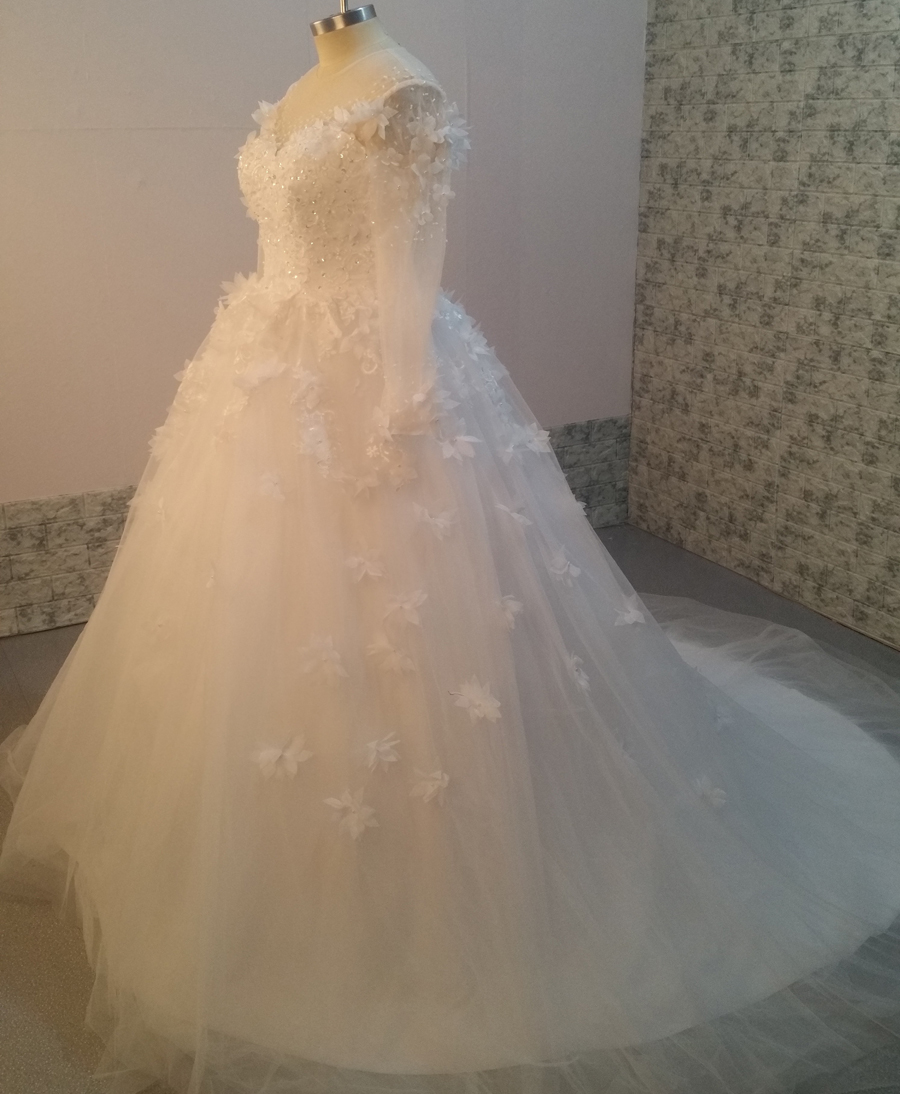 Long Sleeve Muslim Sweetheart Wedding Dresses Arab Lace Appliqued Flowers Sheer Tulle White Ball Gown Wedding Dress Plus Size