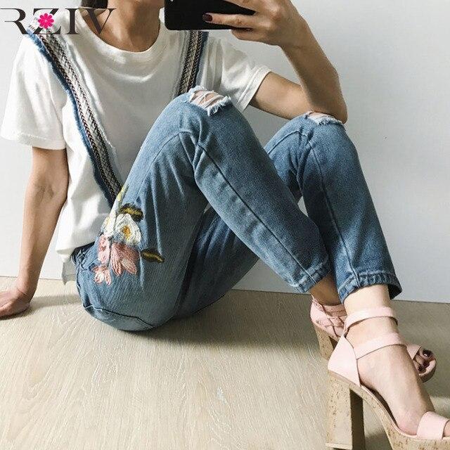RZIV 2017 청바지 찢어진 청바지 데님 캐주얼 구멍 청바지 자수 꽃 청바지 여성