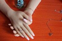 Одна пара реалистично силиконовые женский манекен руки для ювелирных изделий кольца Дисплей, модель для маникюра, Бесплатная ногти