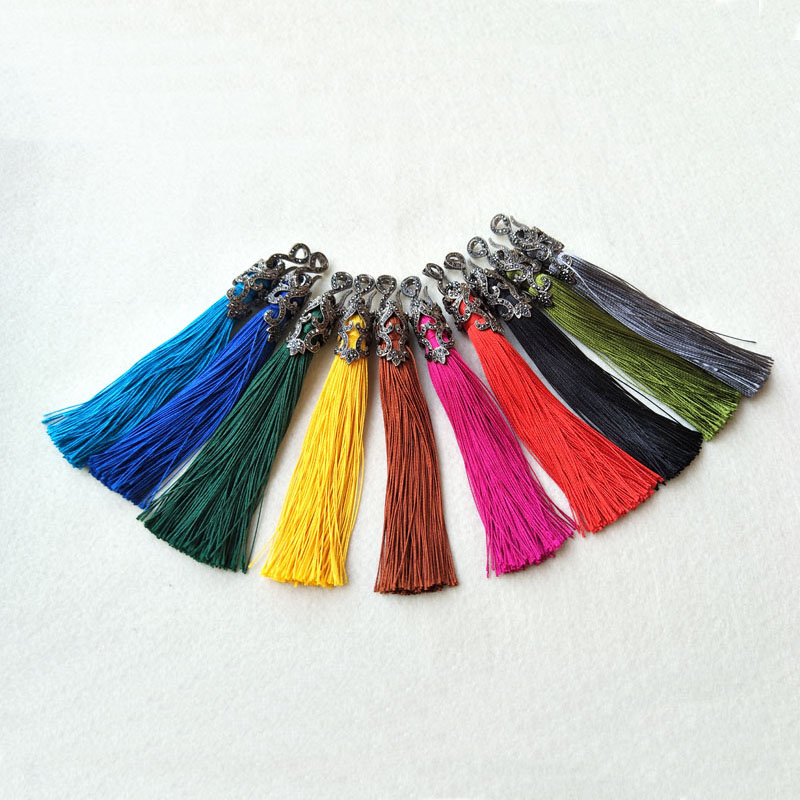 10Pcs lot Colorful Silk Tassel Pendant Keychain Tassel Charm For DIY necklace Women Jewelry Making PD612