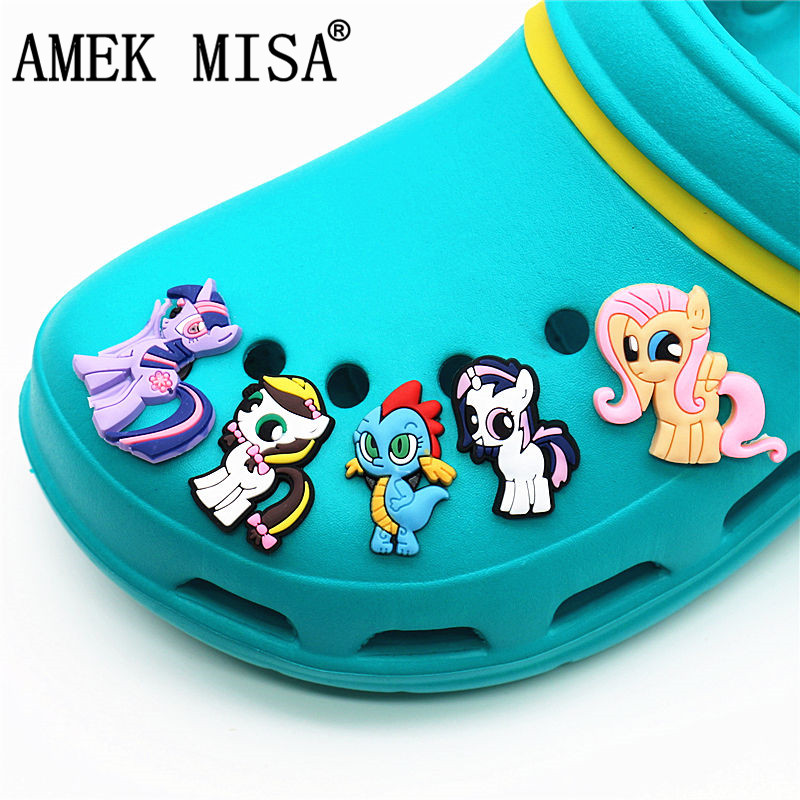 9Pcs/Set PVC Unicorn Shoe Decorations Rainbow Horse Garden Shoe Croc Charm Accessories For JIBZ/ Wristbands Kids Party Xmas