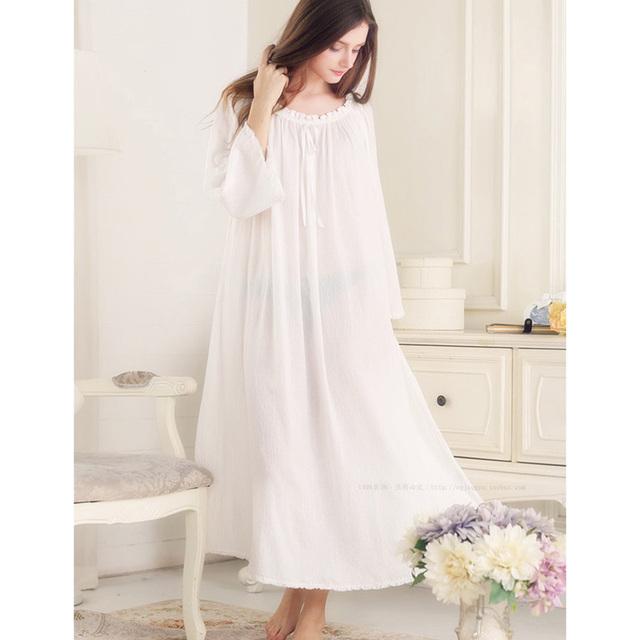 O Envio gratuito de Algodão Puro Princesa Nightgowns Mulheres Retro Em Torno Do Pescoço Camisola Branca Sleepwear Real Oferta Especial Pt1602