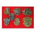 Novos Emblemas para Roupas Anime Figura Brinquedos de Liga de Metal Pinos Broche Crachá Cosplay Hogwarts Slytherin Hufflepuff Ravenclaw 7 pçs/lote