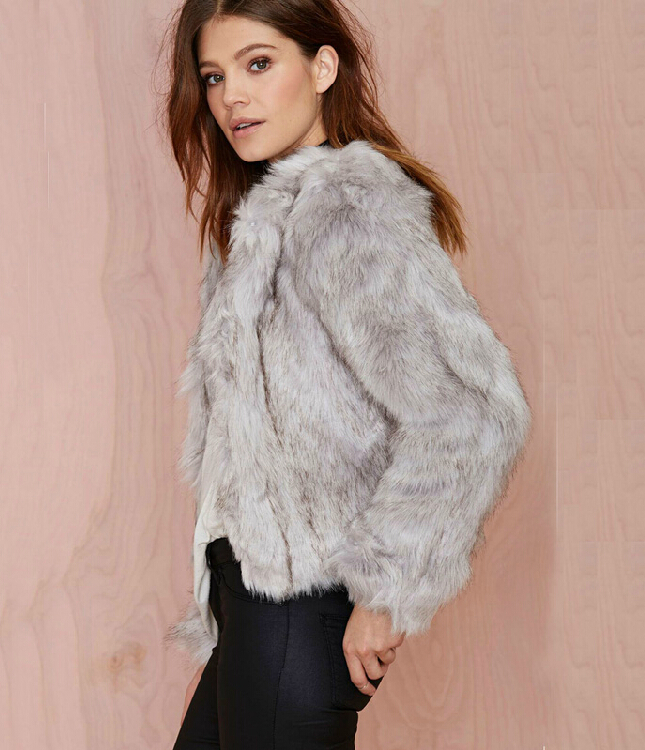 Made from fluffy faux fur, warm and comfy. This faux fur coat is complete with fluffy-feel finish, solid color design and open front, that's the right amount of fashion.