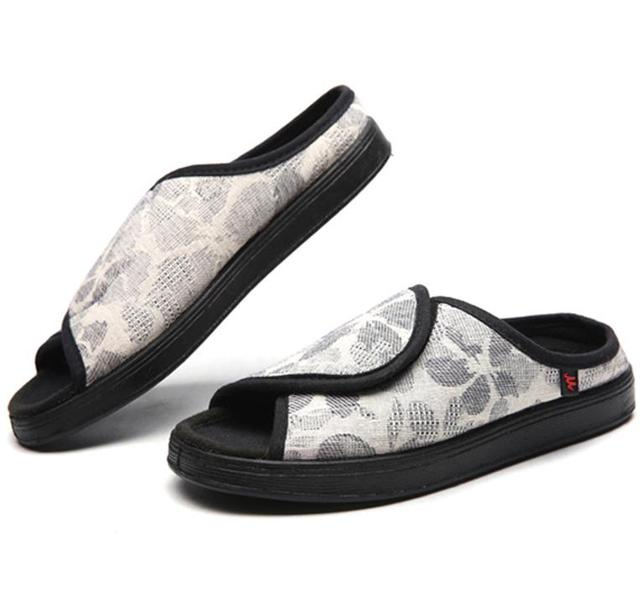 Zapatillas para diabéticos supercomodas, con broche para regular ajuste.