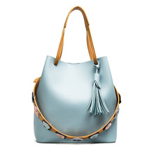 цена 2018 Women flower Appliques Cross body Bag Fashion Casual Tassel Women PU Leather Top-handle Bag tassel wide shoulder strap Bag