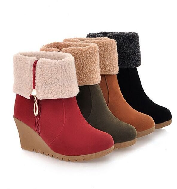 05d3af8f515 Invierno nieve botas cuñas de plataforma botas de tacones altos zapatos de  las cuñas de la nieve del invierno forro térmico jóvenes zapatos de niña en  Botas ...