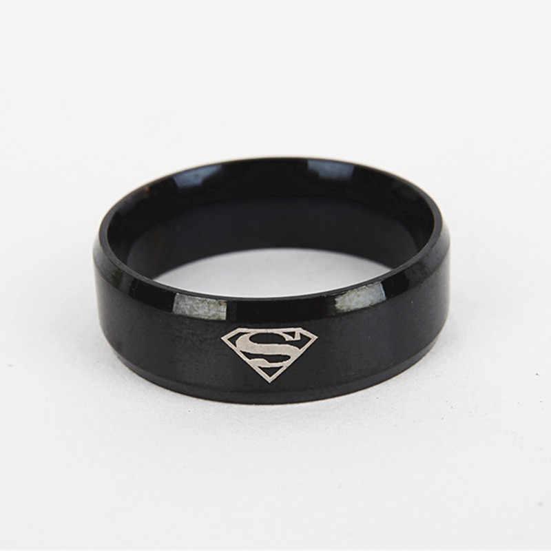 Classic Superman ผู้หญิงแหวนสแตนเลสสำหรับชายสีดำแหวนผู้ชายแหวนเงินชายโลหะเครื่องประดับแฟนของขวัญ