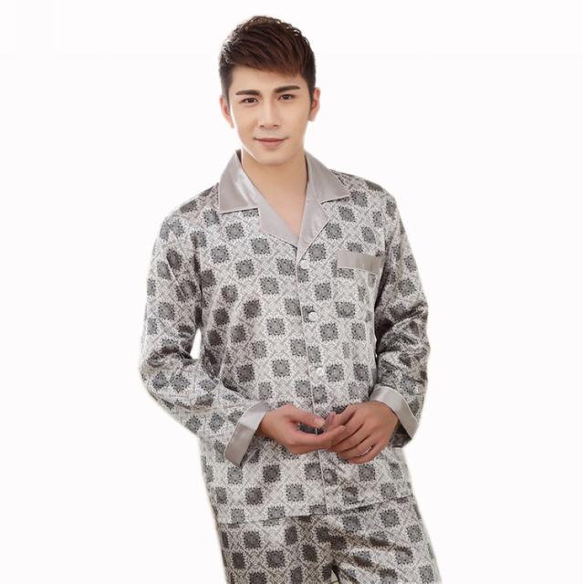 Verão 2015 Cinza Preto Homens Vestidos de Salão Pijamas Pijamas Set Novo Design Impresso Hot Sale Europa América Estilo Camisola Pijama