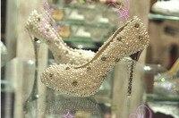 Великолепный И Моды Атласа Верхней Стилет Каблук Закрытый Мыс С Имитацией Перл Rhinestone Свадебная Обувь Партия Обуви Свадебные Туфли