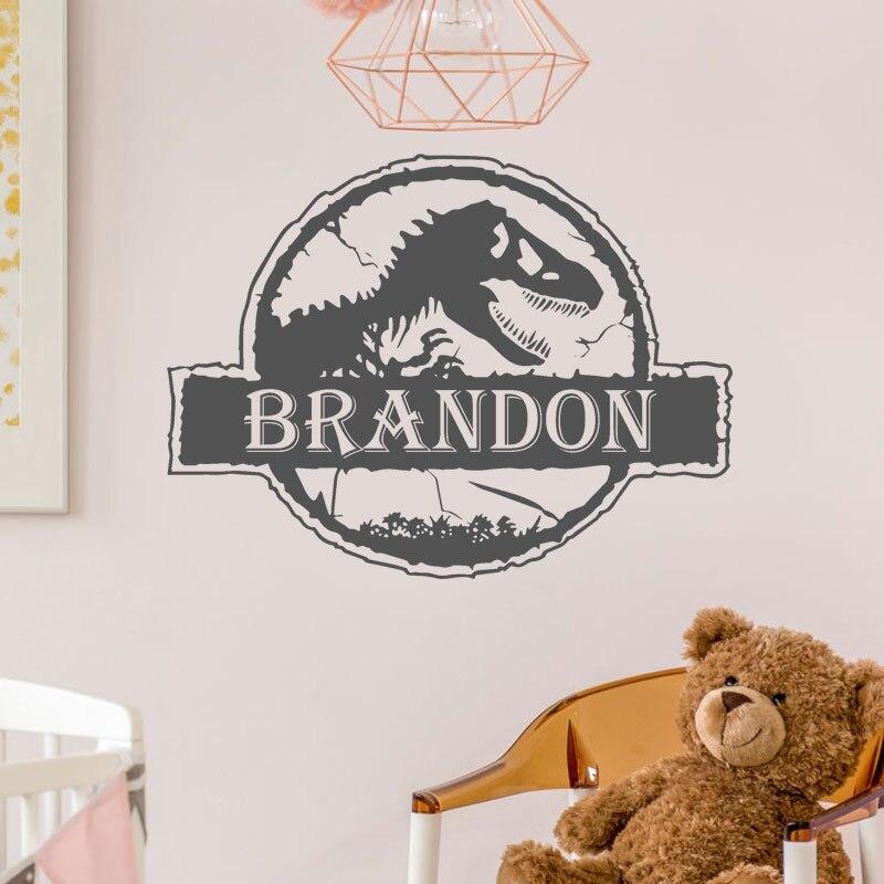 Nome personalizado Jurassic Park Dinossauro Mundo Adesivos de Parede de Vinil Home Decor Presente das Crianças Da Sala Dos Meninos Criança Personalizado Decalque Mural 3N37