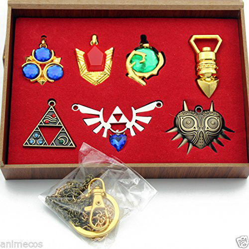 The Legend of Zelda Necklace keychain Pendant 7pcs Set Weapons Collection New in Box