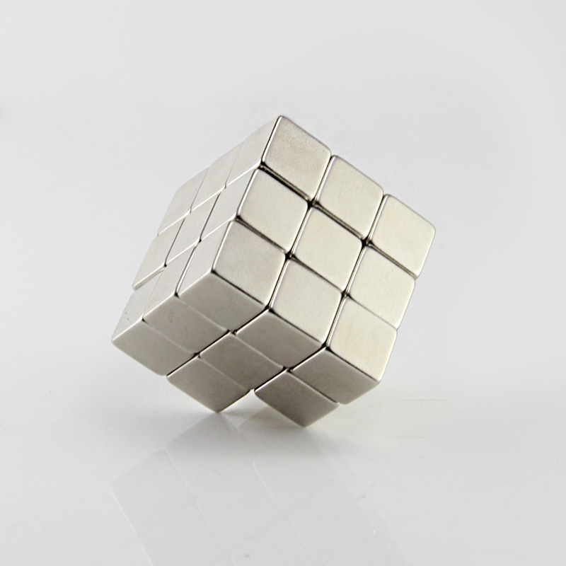 Force N50 Lot de 50 aimants néodyme rectangulaire 6x4x1.5mm
