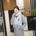 Bufandas, chales, estolas 2016 invierno mujer bee bordado de lana de imitación, color puro caliente de la borla de la bufanda y mantón del espesamiento