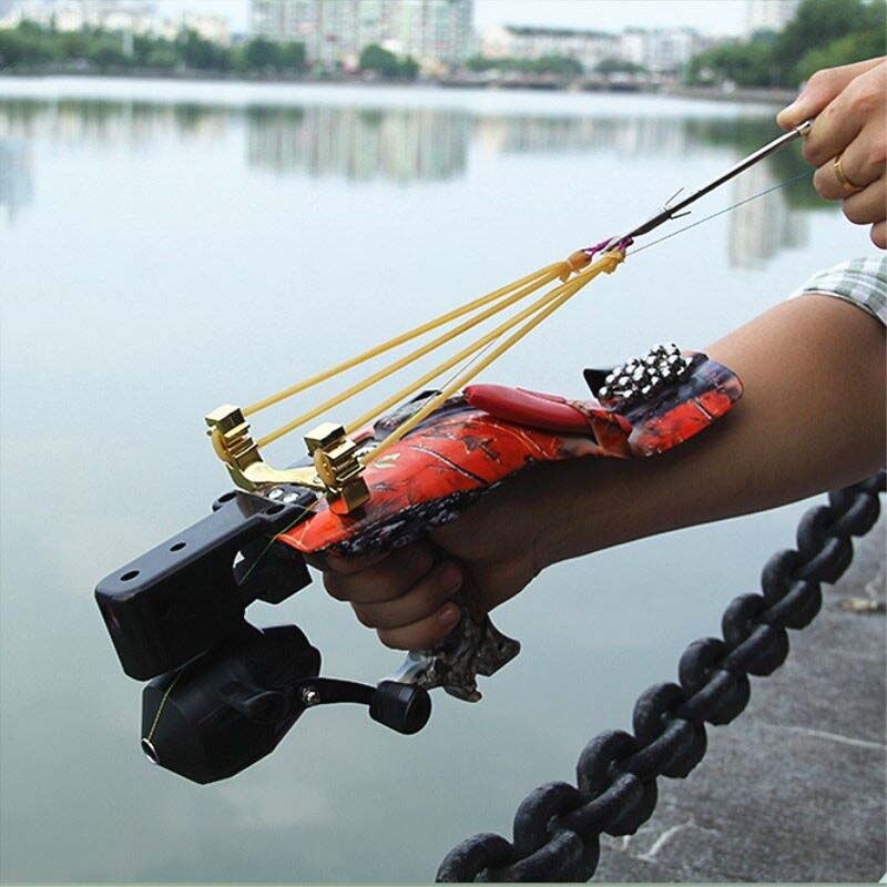 High-quality precision outdoor stainless steel fishing set suit fishing slingshot fish dart fishing gear powerful slingshot high quality powerful eagle head slingshot flashlight 304 stainless steel wood slingshot handle beautiful rubber band hunting