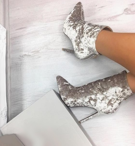 High Quality Silver Gray Velvet Runway Boots Pointed Toe Back Zipper Ladies Dress Shoes Customized Womens High Heel Ankle BootsHigh Quality Silver Gray Velvet Runway Boots Pointed Toe Back Zipper Ladies Dress Shoes Customized Womens High Heel Ankle Boots