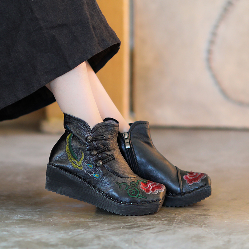 Women Embroidery Leather Ankle Boots 5 CM High Heels Flower Winter Shoes Women 2018 Retro Handmade Leather Martin Boots Brand цены онлайн