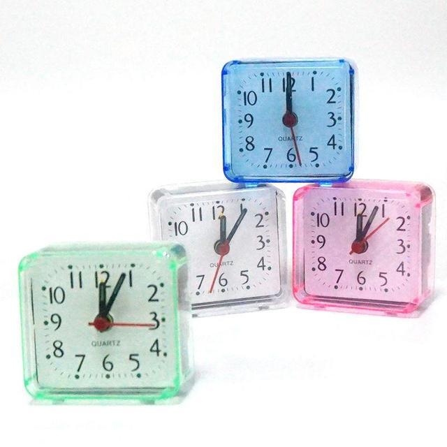 ff8940975 Vintage Table Horloge Numérique D alarme Horloge De Bureau Lit En Plastique  Portable Montre Horloge
