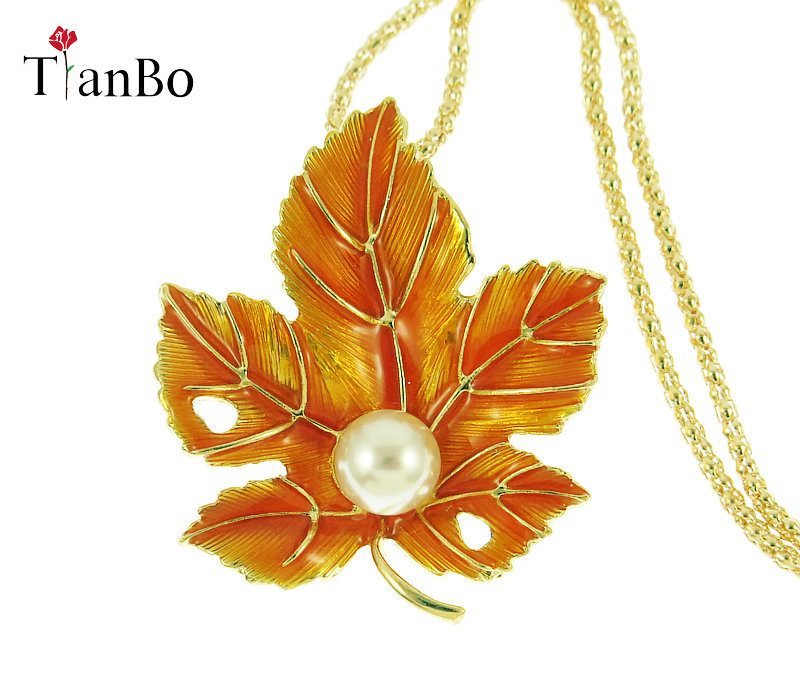 TianBo Fashion Classic Lucite 3D maple Zinc Alloy Leaf Plants Long Sweater chain Vintage Necklace Popcorn Chain Enamel Jewelry vintage alloy tree leaf feather layered necklace