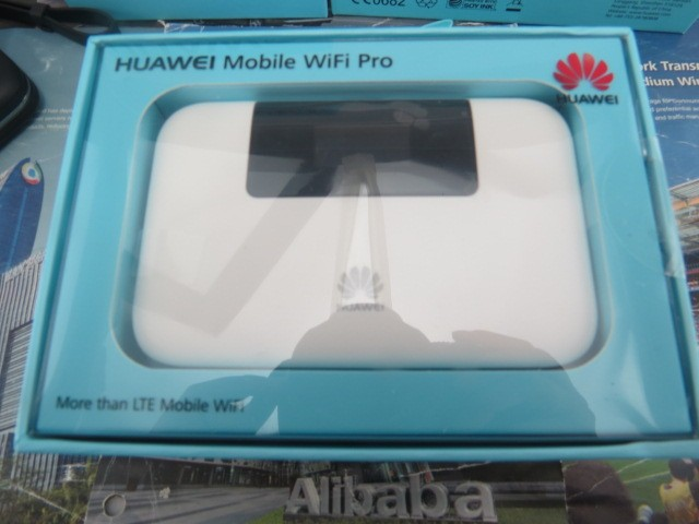 Huawei E5770s-320 150 Mbps 4G LTE & 43.2 Mpbs 3G Mobile WiFi Hotspot Ethernet port and Power bank feature!